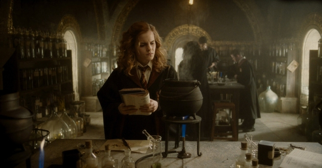 Hermione_during_Potion_class